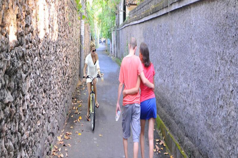 transport in bali walking